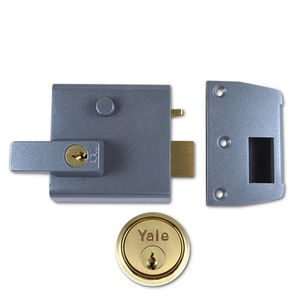 Yale No. 1 60mm Auto-Deadlocking Nightlatch With Brass Cylinder